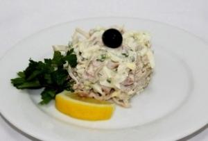 Салат из филе кальмаров